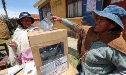 Oposición presenta supuestas pruebas de sus acusaciones de fraude en Bolivia
