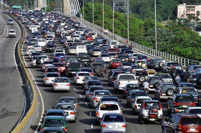 Cerca de 98,000 vehículos pagarán multa por renovar tarde el marbete