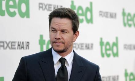 Mark Wahlberg se construirá una casa en Cabrera