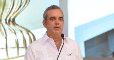 Abinader resalta seguridad de RD ante alerta de EEUU a viajes al país
