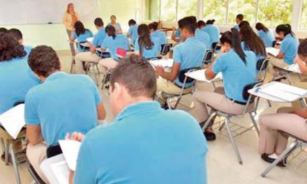 Escuelas recobran vida mañana al iniciar la clase semipresencial
