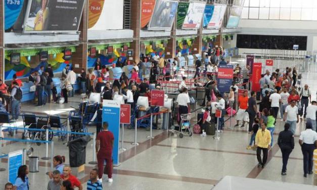 Turistas dejan atrás tercera ola Covid para vacacionar en el país