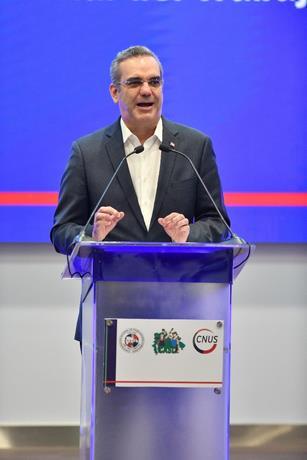 Abinader buscará forma de mejorar pensiones de trabajadores