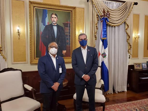 Abinader otorga plenos poderes al director de la JAC para acuerdo aéreos con Guatemala