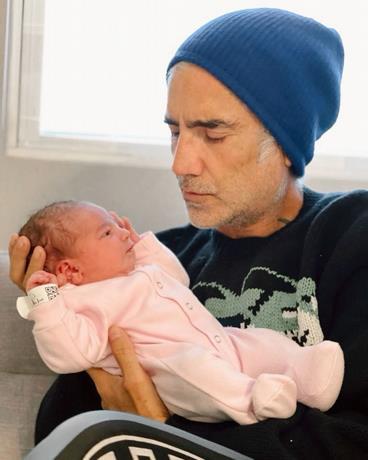 Cayetana es «la dueña de todas las serenatas» que le queden por dar al abuelo Alejandro Fernández