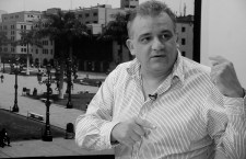 """""""Cuando Castañeda toma medidas contra la reforma del transporte, su aprobación baja"""""""