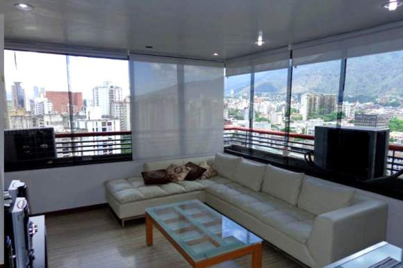 Caracas-Country-Club-donde-se-hospeda-el-Partido-Podemos-2-800x533