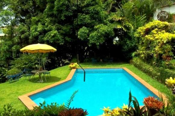 Caracas-Country-Club-donde-se-hospeda-el-Partido-Podemos-3-800x533
