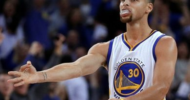 el triple y Stephen Curry