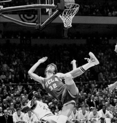 Walton cayendo David Thompson