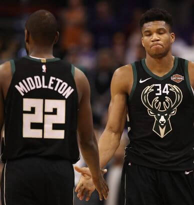 Anteto y Khris Middleton