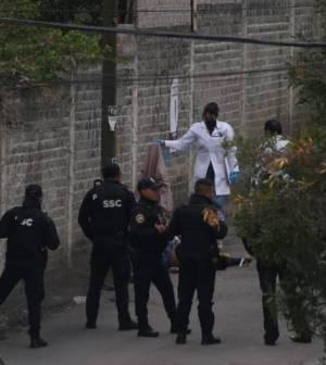 Lo acribillan en callejón de la colonia Cristo Rey en Xochimilco