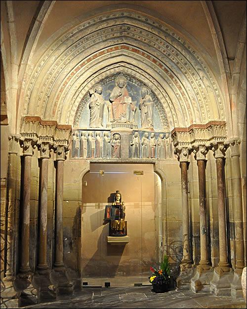 portail romam-eglise saints-Pierre-et-Paul
