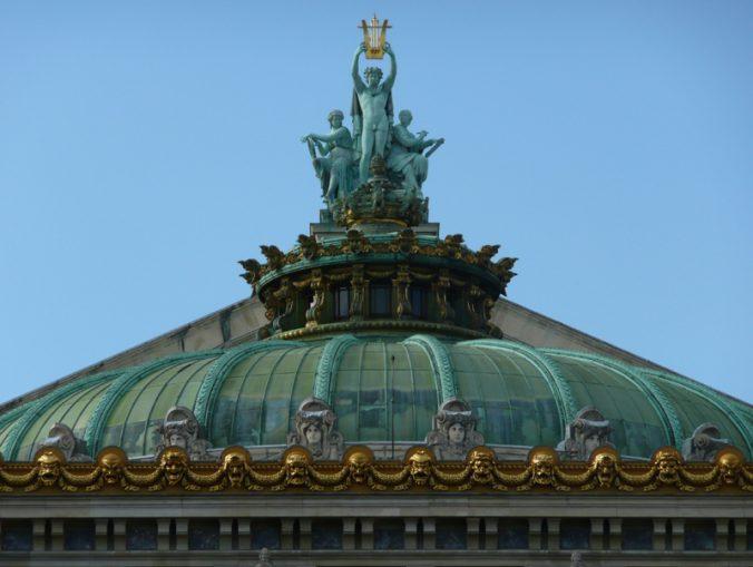 Apollon sur le dôme de l'opéra Garnier