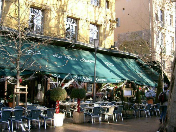 800px-aix-_cafe_des_deux_garcons-photo-pra