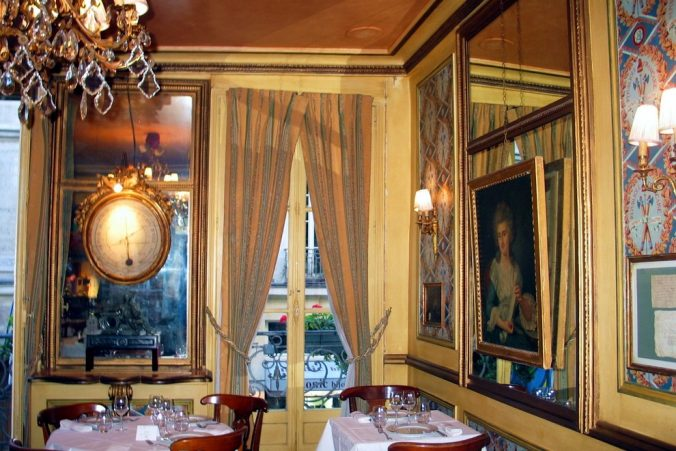 le-procope-paris-upstairs-dining-room-photo-by-paige-donner-copyright-2014-img-5991_54_990x660