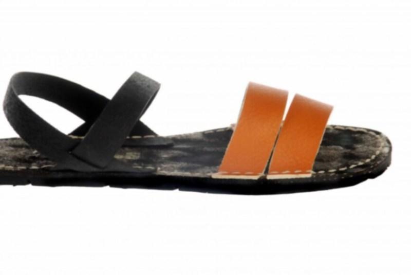 Mira el estilo de este diseño de sandalias creado a partir de suela de neumático.