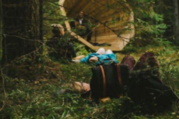 megafono-escuchar-bosque-8