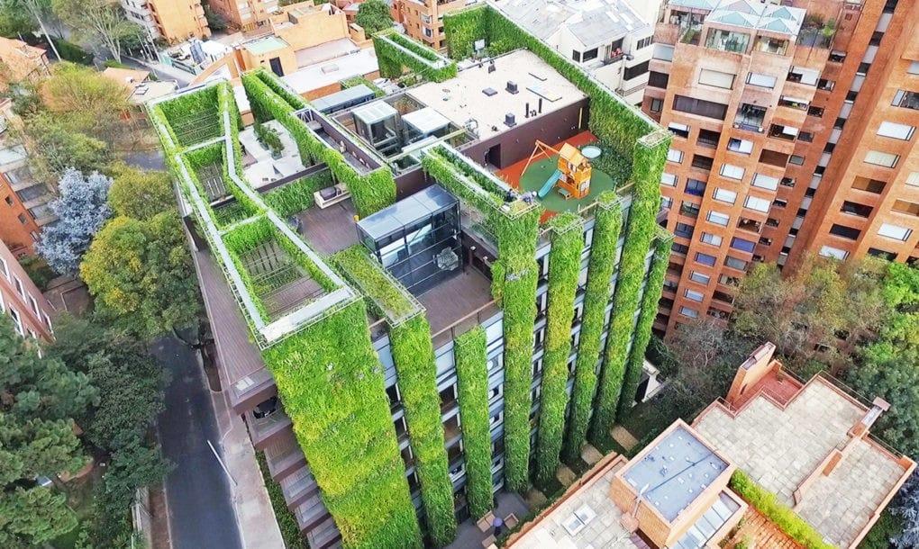 Bogotá construye el jardín vertical más grande del mundo