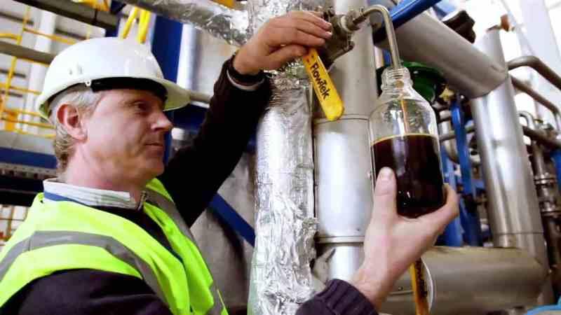 Residuos plásticos marinos se convierten en combustible