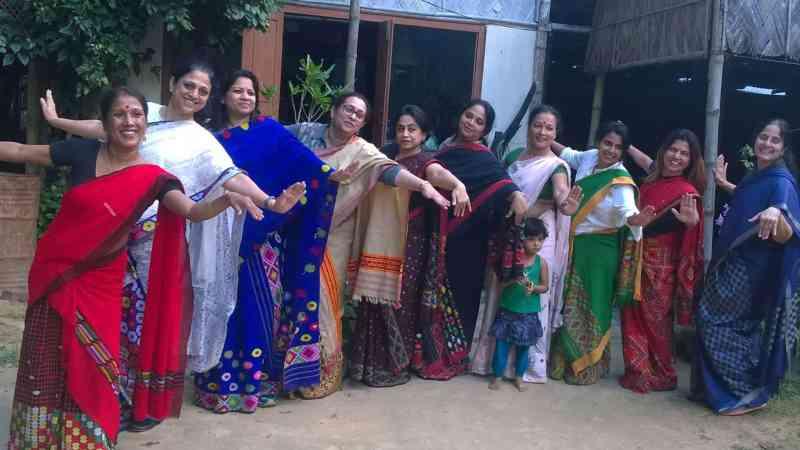 , Esta mujer empleó 2000 mujeres en India para crear telas artesanales hechas con basura