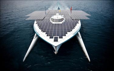 Barco de gran envergadura cruza el océano Atlántico impulsado sólo por la energía del sol