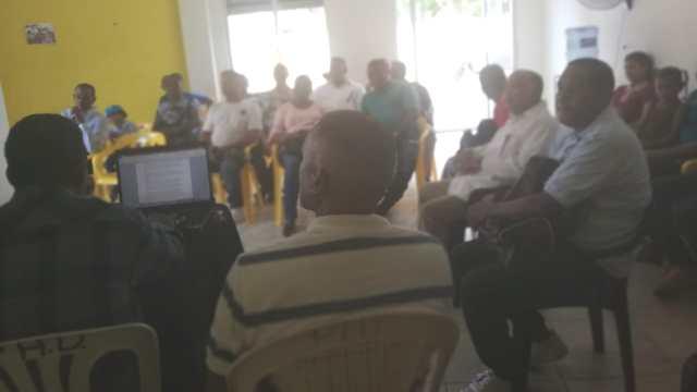 PHD realiza encuentro con dirigentes en el Municipio de Salcedo.-