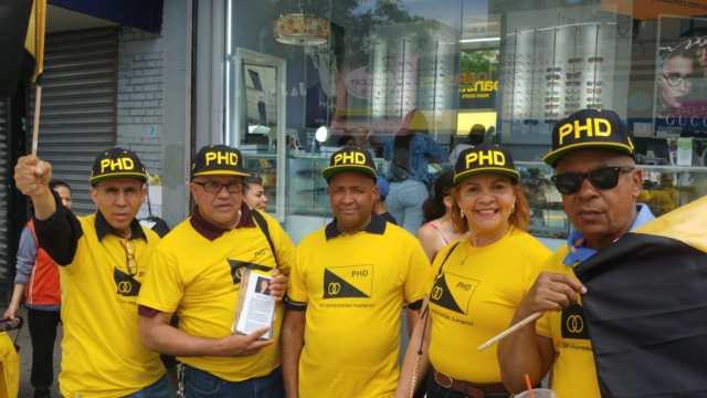 La Seccional del PHD en Nueva York se opone a la modificación de la Constitución, para habilitar la reelección presidencial de Danilo Medina.-