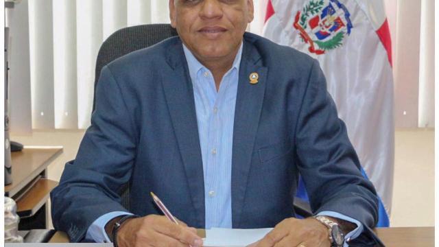 Ramón Emilio Goris toma juramento como diputado del Parlacen para el perìodo 2020-2024.