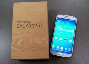 Samsung galaxy s4 novo ao lado da caixa