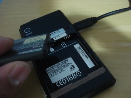 Remoção da bateria do celular