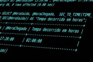 Como calcular intervalos de tempo decorrido entre dois horários no MySQL