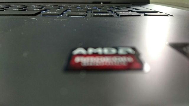 amd-radeon-graphics-badge-on-dell-laptop