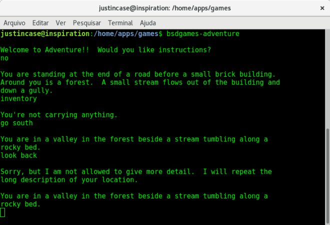 bsdgames-adventure ou Colossal Cave Adventure.