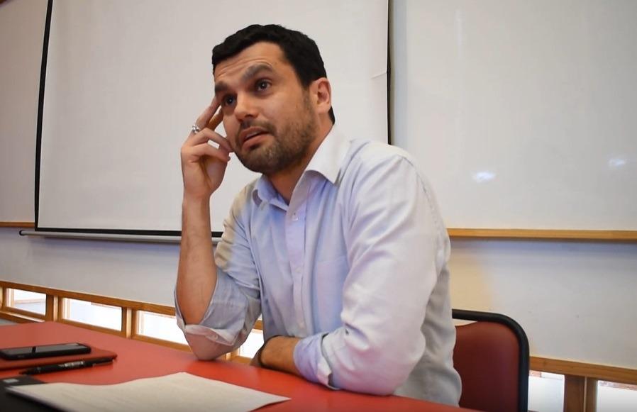 Jaime Bassa sugiere que la Convención incluya en el reglamento plebiscitos para dirimir