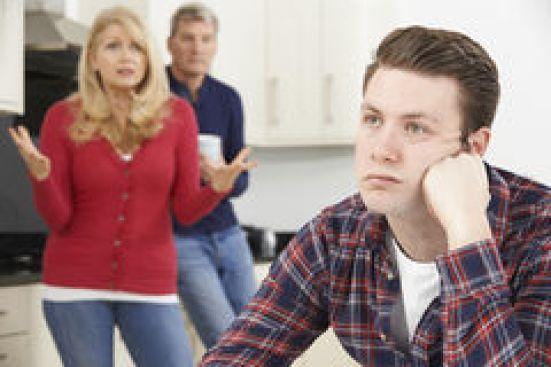 pais-maduros-frustrados-com os filhos que vivem emc asa psicólogo em salvador