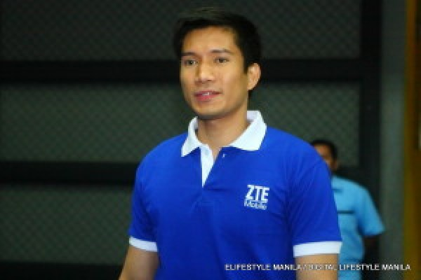 Most Valuable Player of the Year 2014 James Yap is ZTE's newest endorser