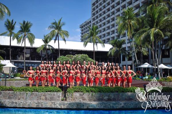 Binibining Pilipinas 2015 candidates pool side