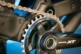 Shimano-XT-di2-electronic-shifting-drivetrain-mountain-bike-mtb-battery-wired-31-1-600x400