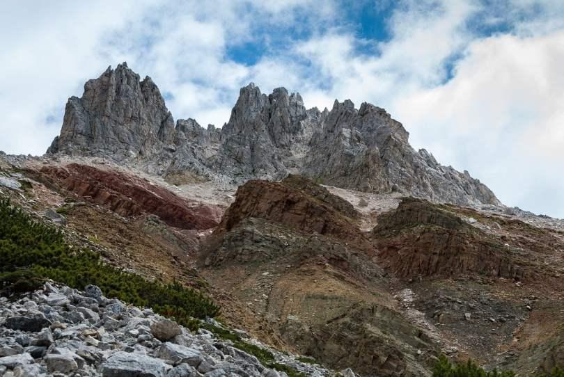Geoparc Bletterbach_foto dei diversi strati di roccia del canyon