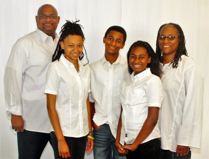 cropped-image18-the-griffins-family-on-mission-photo1.jpg