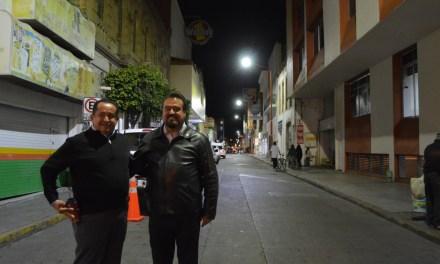 Instalan lámparas LED en la calle Júarez de San Francisco del Rincón