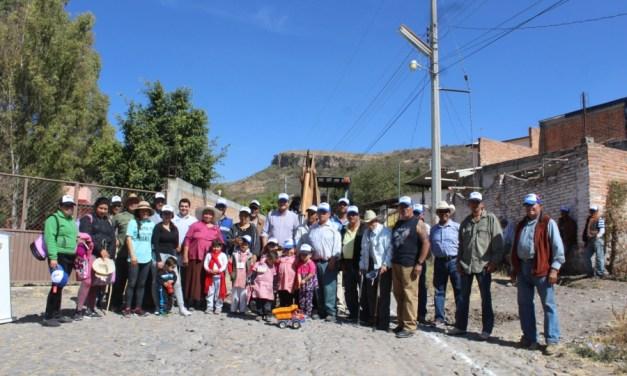 Mejoran acceso a escuelas en comunidad de Manuel Doblado
