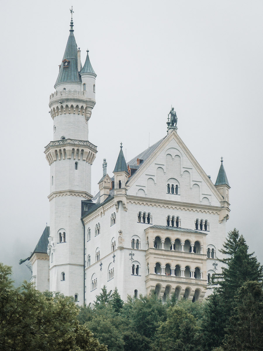 Neuschwanstein_German_Castle-2