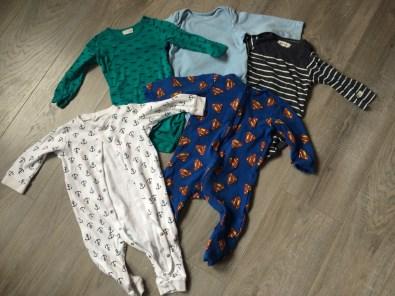 Dette er noen av klærne, som er like hele og fine som helt nye klær