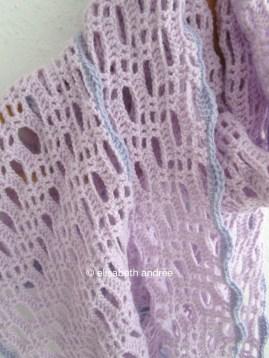 crochet lacy stitch pattern with wavy edge
