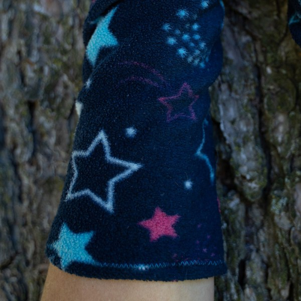 wrist warmers with stars close-up