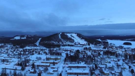 En man blir misshandlad och förd till sjukhus i Malå i Västerbotten. Bild: i1os.com