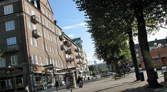 Det var här i ett bostadshus i centrala Trollhättan som en kvinna misshandlas under en hel natt. Foto: trollhattan.se