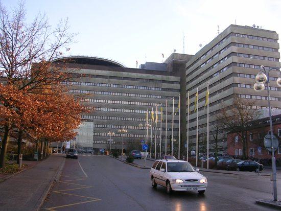 En 20-årig man försökte anlägga en mordbrand vid Universitetssjukhuset i Lund genom att tända eld på en papperskorg. Bild: Wikimedia Commons